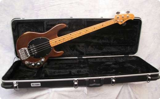 music man stingray 1978 walnut bass for sale andy baxter bass guitars ltd. Black Bedroom Furniture Sets. Home Design Ideas