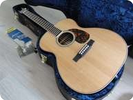 Larrivee OM 04 Gloss Top SitkaRosewood With Pick up 2012 Matural