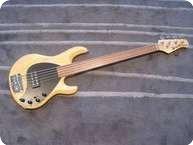 Music Man Stingray 5 Fretless