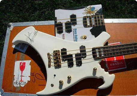 Warwick John Entwistle's White Warwick Buzzard Bass 1990 White