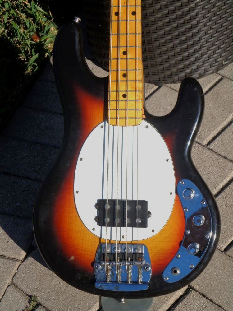 musicman stingray bass 1976 sunburst bass for sale guitarbroker. Black Bedroom Furniture Sets. Home Design Ideas