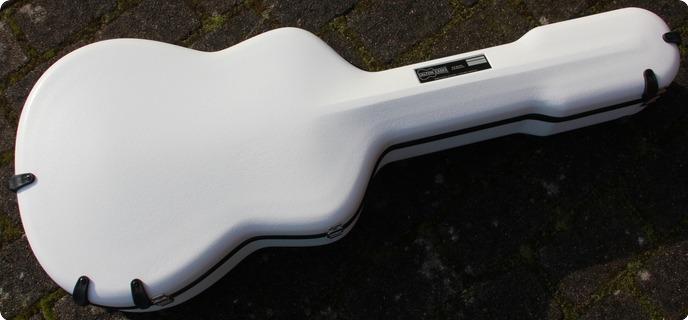 Calton Dreadnought 2015 White
