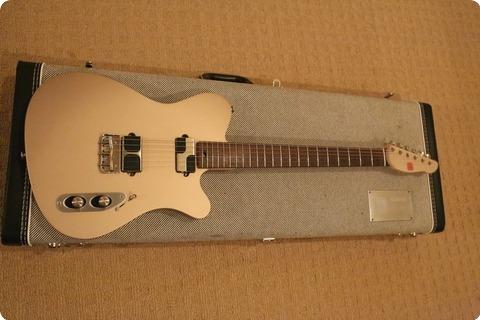 Tao Guitars T Bucket 2012 Sakura Gold