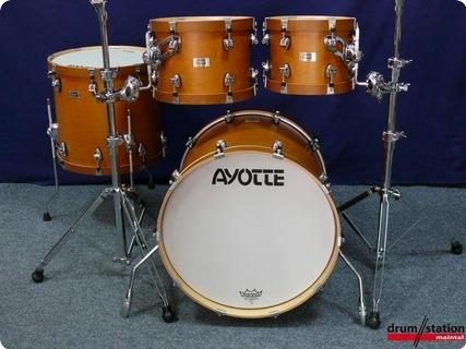 Ayotte Velvet Woodhoop  2015 Antique Maple (satin)
