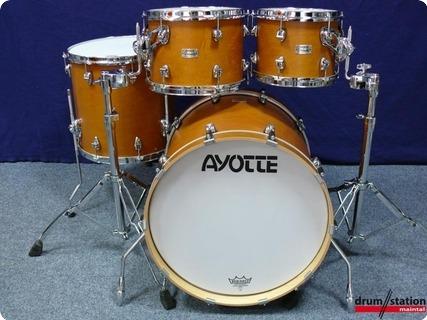 Ayotte Velvet Steelhoop