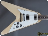 Gibson Flying V 1981 White