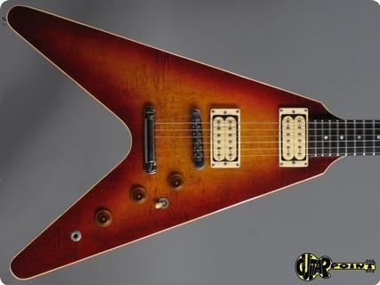Gibson Flying V    1982 Cherry Sunburst