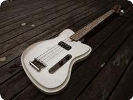 Vuorensaku Guitars T.Family Mama Bass Magnolia White