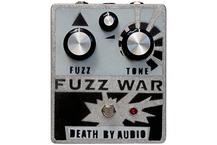 Death By Audio Fuzz War 2017