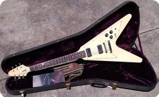 Gibson Flying V 1975 Polaris White