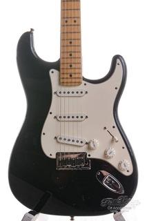 Fender Custom Shop Fender Custom Classic Stratocaster® V Neck Maple Fingerboard, Black, Used 2001