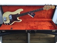 Fender Precision Bass 1966 Olympic White