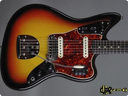 Fender Jaguar 1966 3 Tone Sunburst