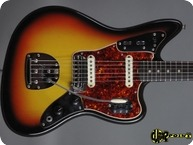 Fender-Jaguar-1966-3-tone Sunburst
