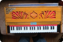Prakrashi Harmonium 2017 Brown