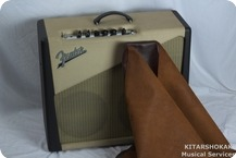 Fender Two ToneTM Custom Shop Blues Junior TM Limited Edition 2001 2 Tone Art Deco Black And Beige Tolex Cabinet With Silver Grille Cloth