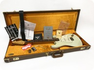 Fender Stratocaster Custom Shop 1961 Closet Relic Pre Owned Dealer Select Olympic White 2014 White
