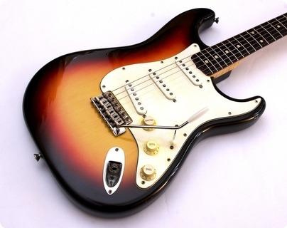 Rufini Fine Instruments Stratocaster '61 Replica 2018 3 Tone Sunburst