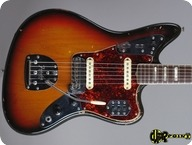 Fender-Jaguar-1973-3-tone Sunburst