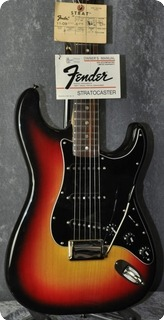 Fender Stratocaster 1977 3 Color Sunburst.