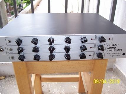 Custom Audio Amplifiers Caa 3+se    1999 Silver