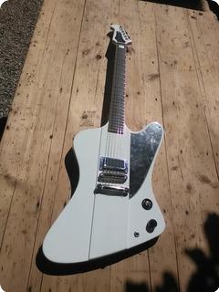 Jailbreak Guitars The Bitch (bitch Queens Signature) White