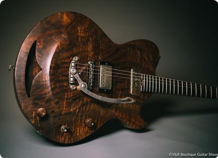 Hans Guitars Walnut Bishop