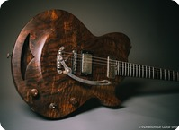Hans Guitars Walnut Bishop