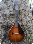 C. F. Martin Co 2 15 Mandolin 1939 Sunburst