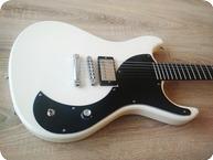 Jailbreak Guitars Poison Heart Vintage White
