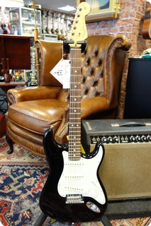 Fender American Pro Stratocaster Ebony Maple Neck 2019 Ebony