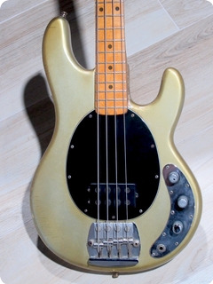 Music Man Stingray Bass 1977 Inca Silver Finish