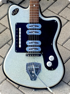 Crucianelli Elite Model 40 V 1962 Silver Sparkle Finish
