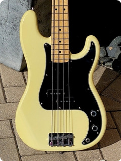 Fender Precisi0n Bass 1979 Olympic White