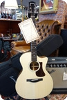 Eastman Eastman AC222 1CE Grand Auditorium Modelwith Cutaway Pickup Natural