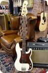 Fender Fender 2005 Standard Precision Bass Artic White
