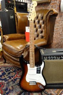 Fender Fender Player Stratocaster Pau Ferro Fingerboard 3 Color Sunburst #331