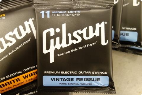 Gibson Gibson Vintage Reissue 11 Medium Pure Nickel ( 8 Sets ) + 1 Free 11 Brite Wire