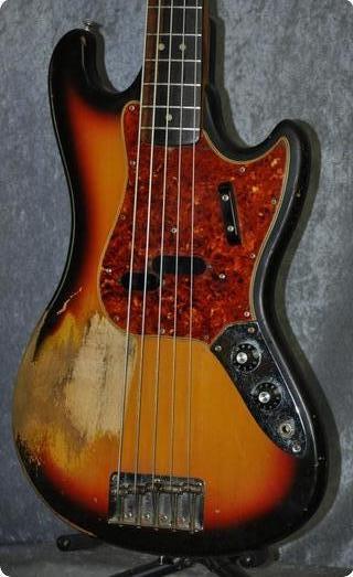 Fender Bass V. 1965 Sunburst.