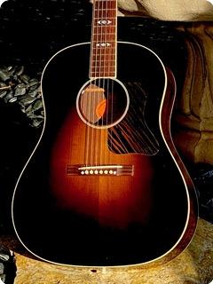 Gibson Advanced Jumbo Supreme Vintage  2016 Dark Sunburst Finish