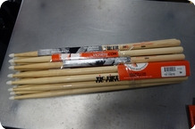Vic Firth Vic Firth 5BN American Classic Hickory 12 Pair Discounted Nylon Tip