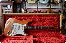 Fender-Stratocaster-1975