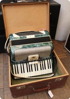 Hagstrom Carina Celluloid Piano Accordion