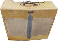 Fender Super Amp V Front 1952 Tweed