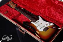 Fender Stratocaster 1969 3 Tone Sunburst