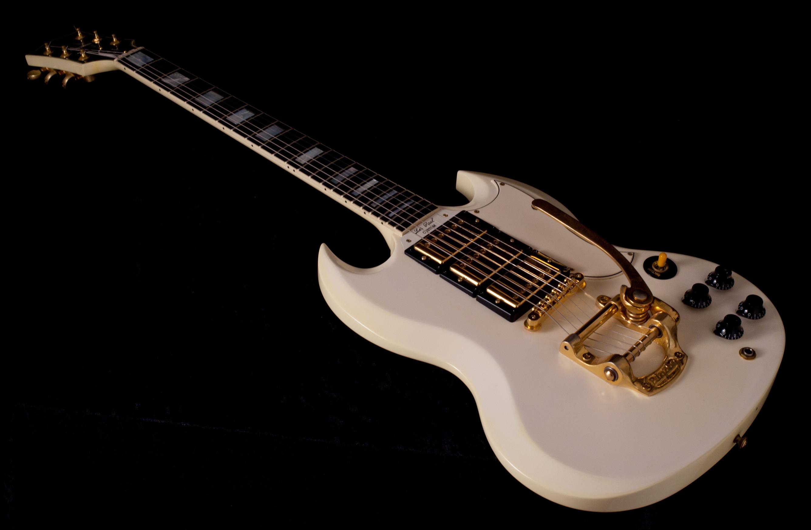 Gibson SG Custom 3 Pickups 2000s Alpine White Guitar For